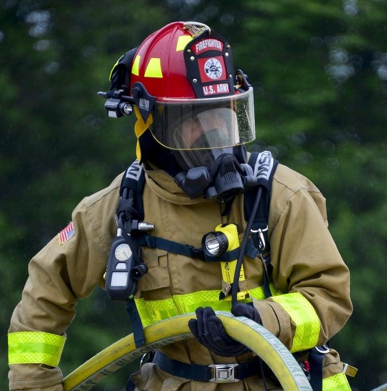 firefighter-1168254_1920-1